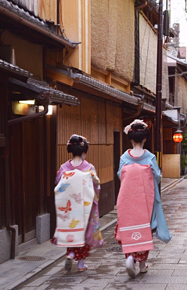 Photos of Geishas in Japan