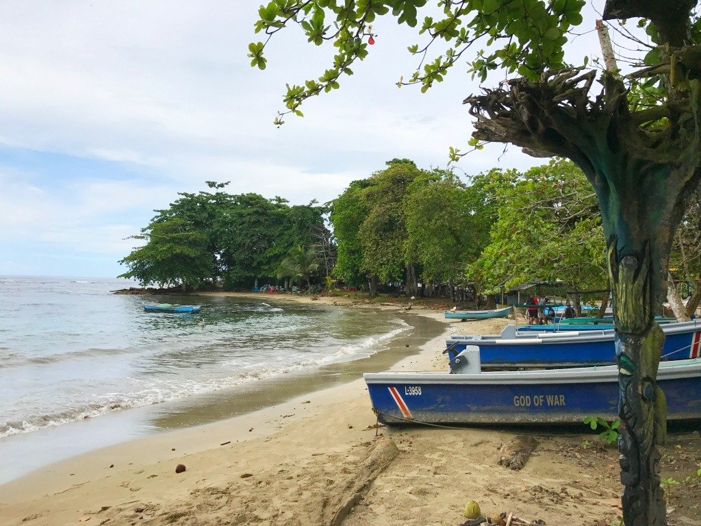 beaches in puerto viejo