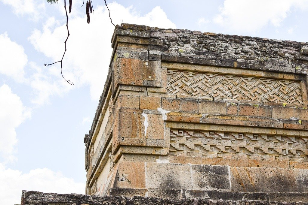 how to get to mitla oaxaca