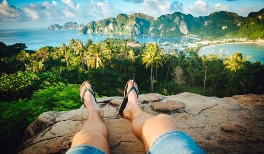 Best Sandals for Travel: Rainbow Flip Flops Review