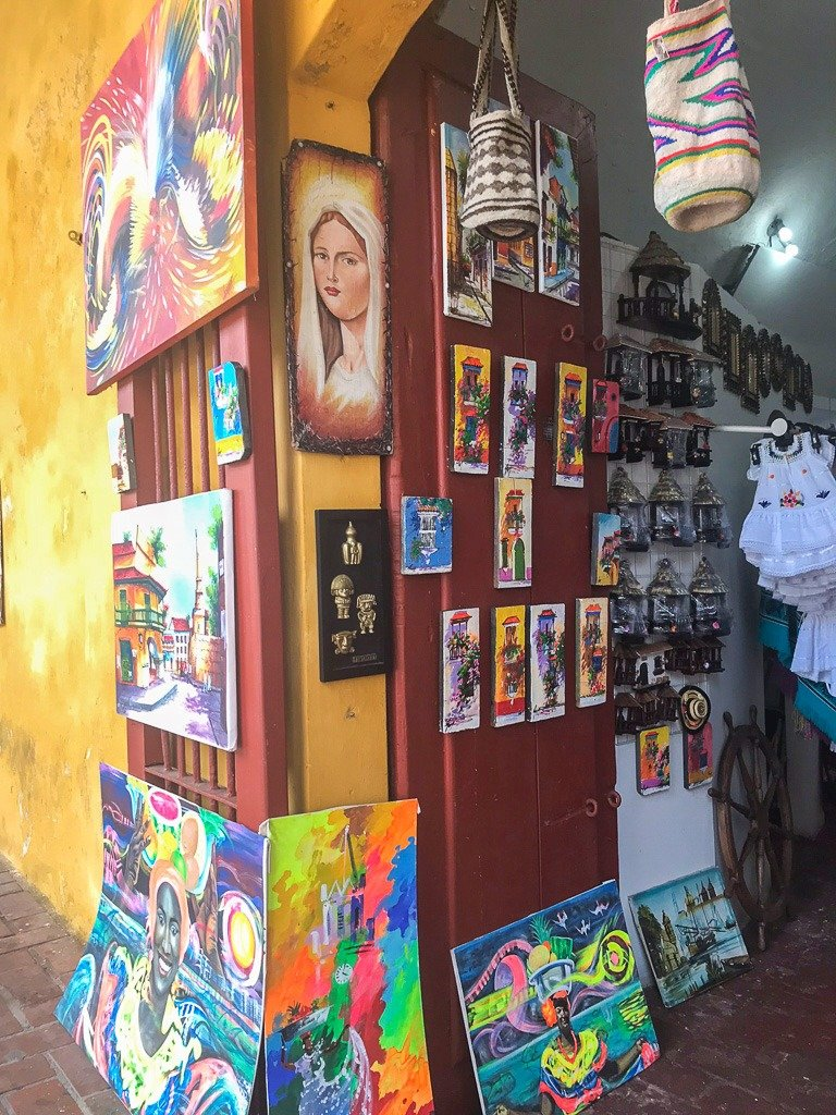 where to go souvenir shopping in Cartagena