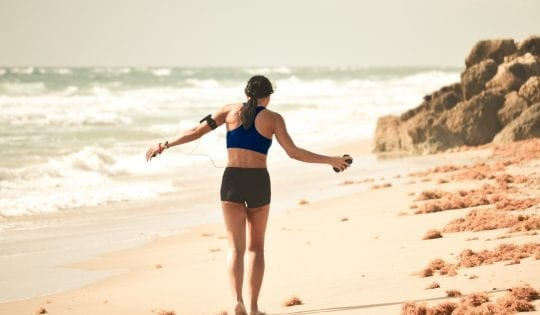 How to Stay Healthy & Fit When You Travel