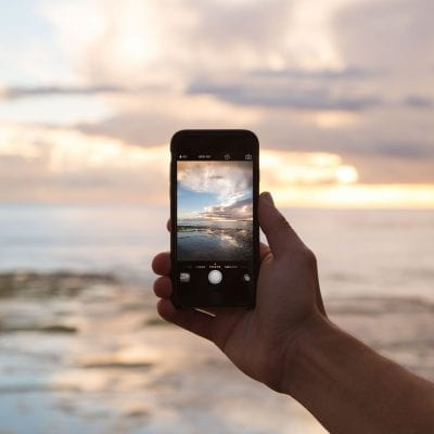 Best International Phone Plans for American Travelers