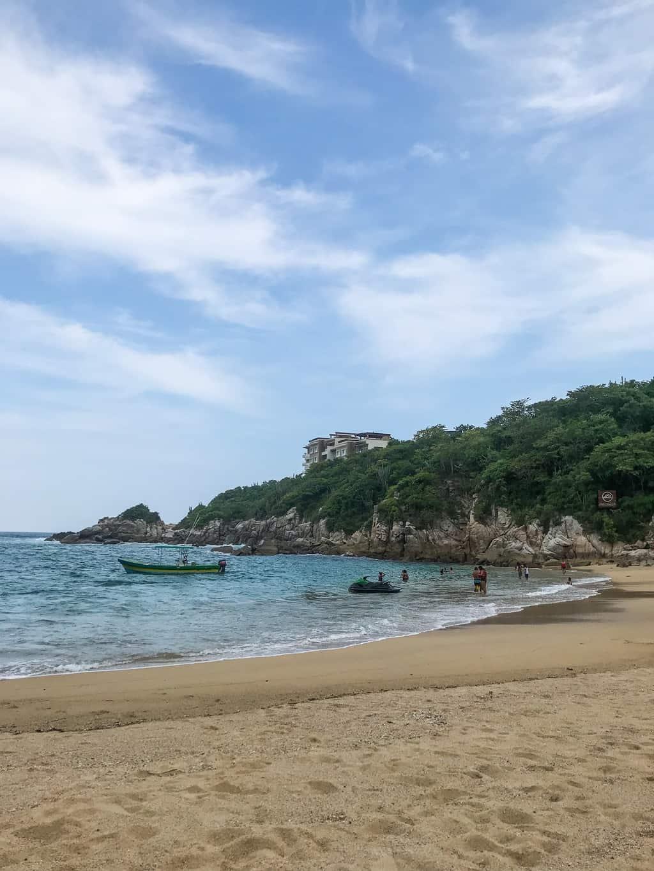 playa arrocito in huatulco mexico