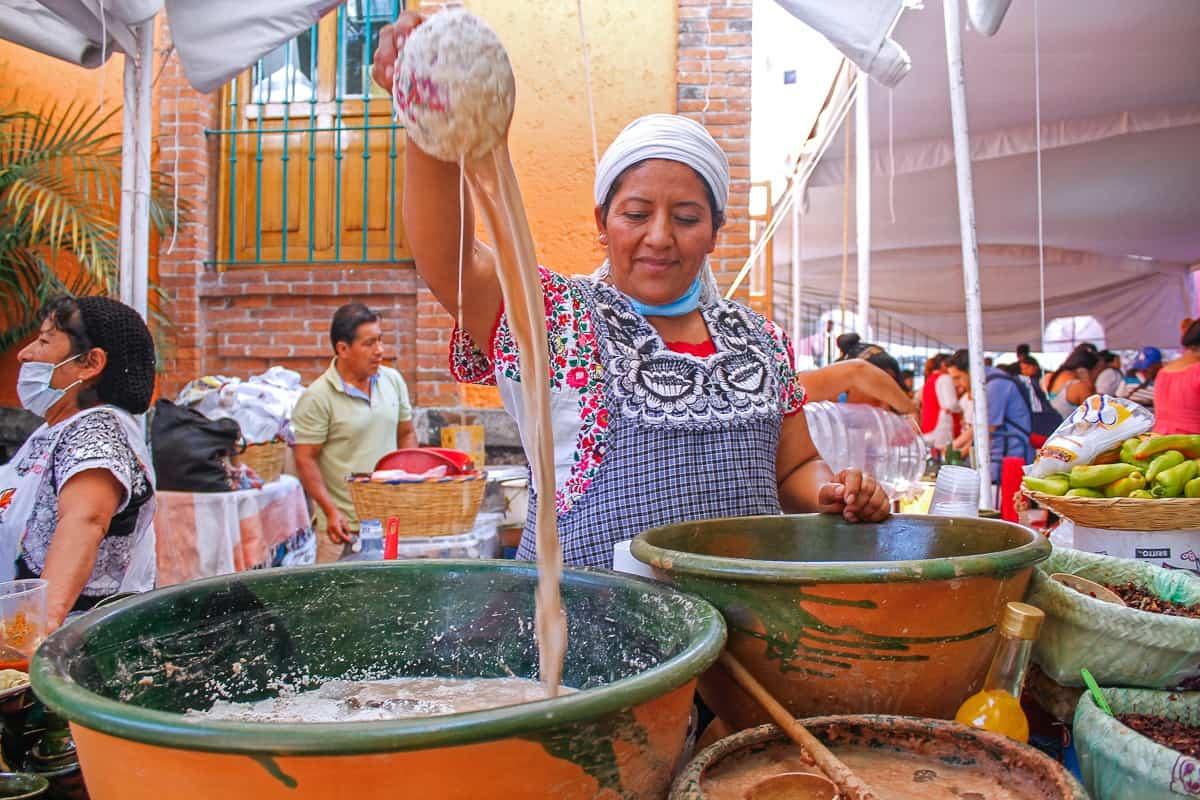 tejate being made in oaxaca