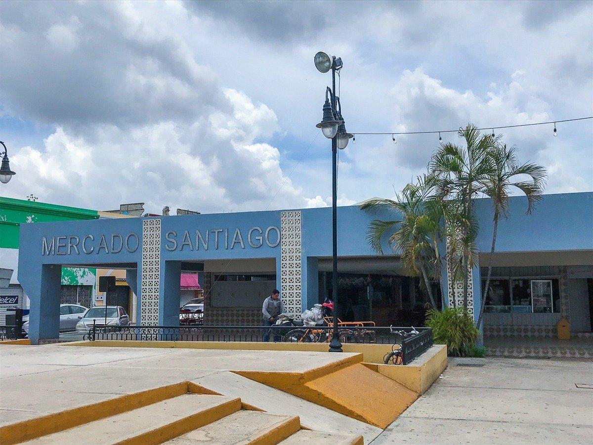 mercado santiagio in merida mexico