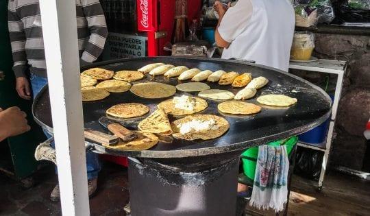 gorditas and tacos at mercado embajadores guanajuato