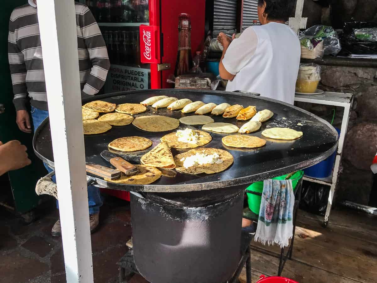 gorditas and tacos at mercado embajadores guanajuato