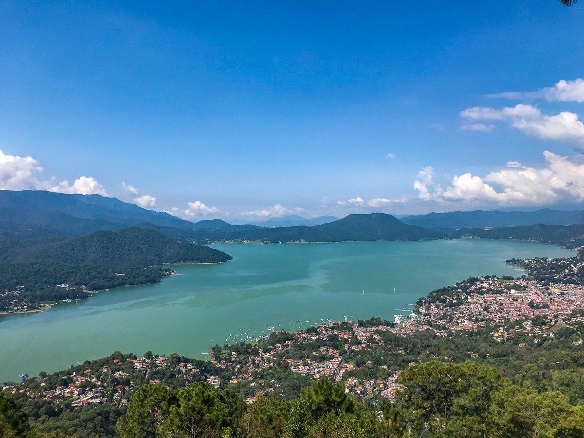 views of the lake in valle de bravo