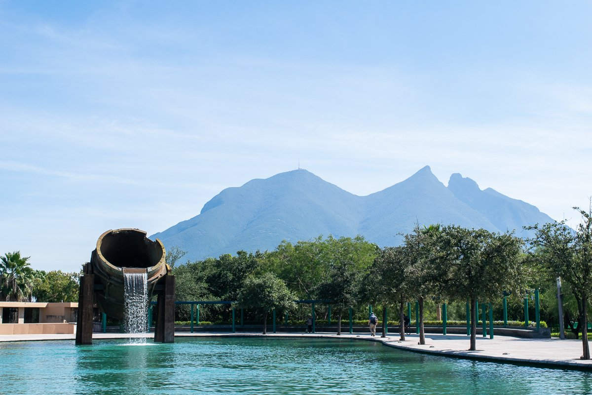 the view of cerro de la silla from parque fundidora in monterrey