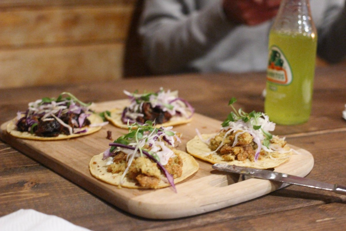 the best restaurants in polanco serve up tacos in a fancy way on a chopping board