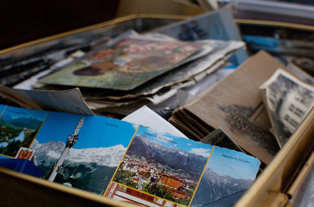 choosing postcards for my travelers notebook