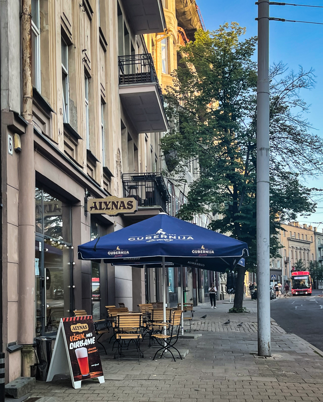 Alynas bar in Vilnius with outdoor seating